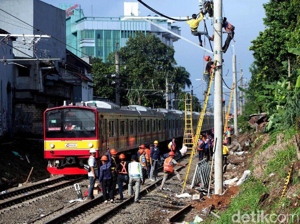 LAA KRL Tersambar Petir, Kebayoran-Pondok Ranji Cuma Bisa 1 Jalur