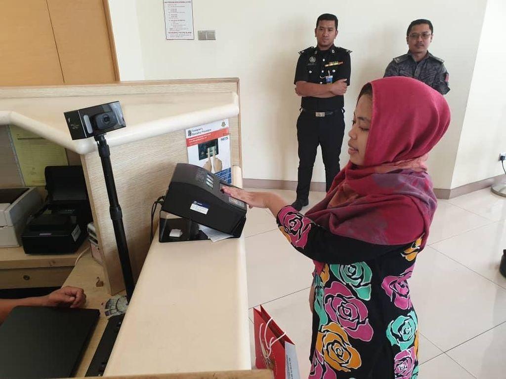 Penampakan Siti Aisyah di KLIA, Jelang Kepulangan ke Indonesia