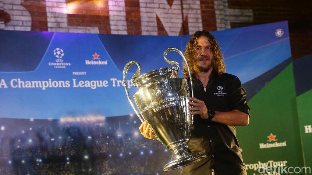 Puyol Bawa Trofi Liga Champions ke Indonesia