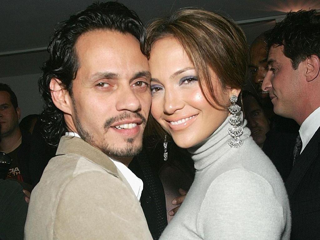 Kapal Pesiar Rp 97 Miliar Milik Mantan Jennifer Lopez Terbakar