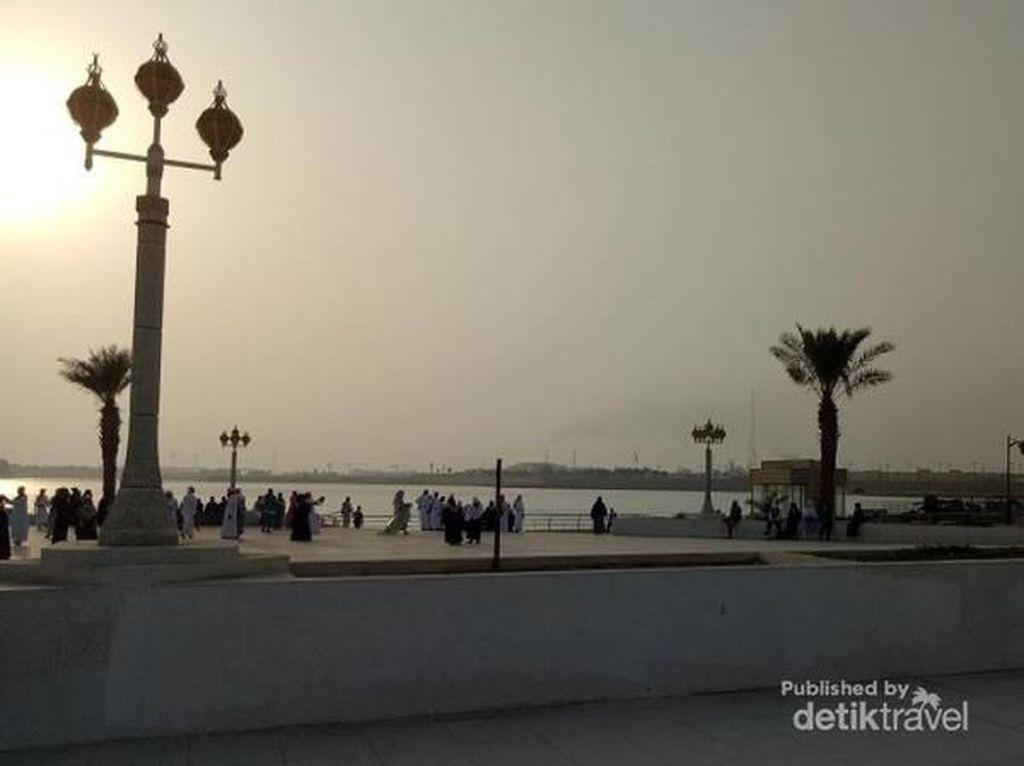 Menanti Sunset di Destinasi Belanja Arab Saudi, Jeddah