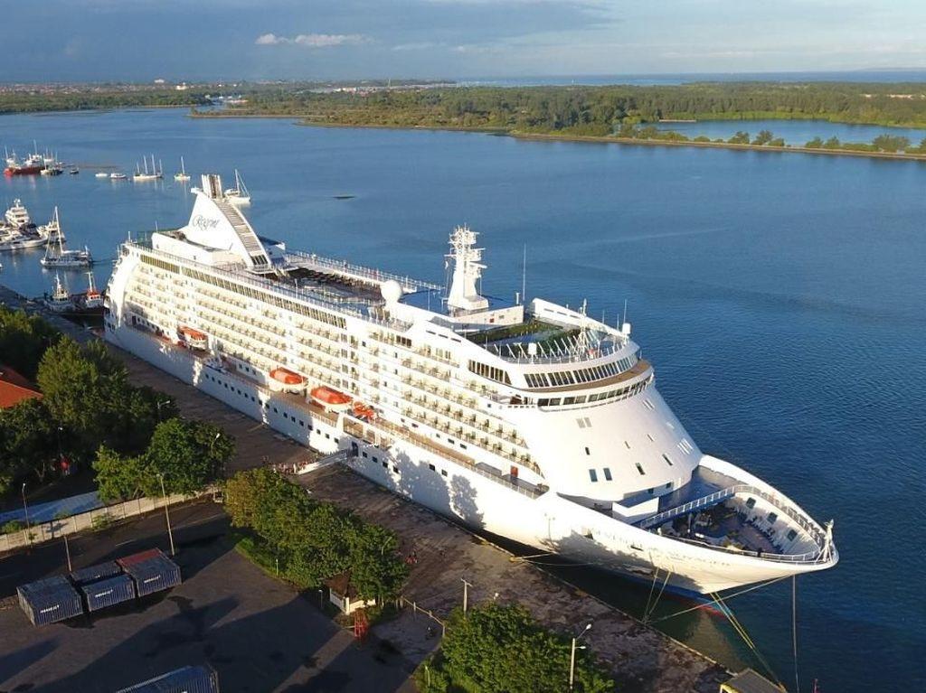 Kapal Pesiar Besar Makin Nyaman Bersandar di Bali