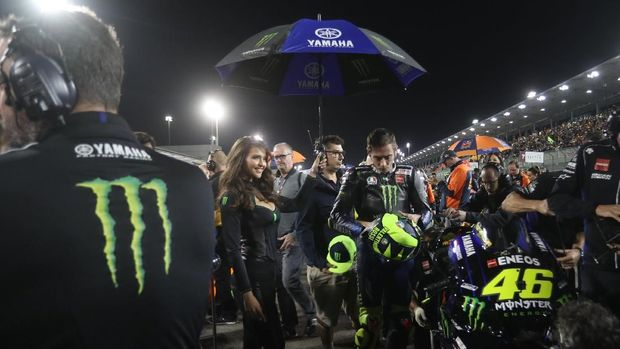Valentino Rossi menilai motor Yamaha masih bermasalah dengan cengkraman ban.