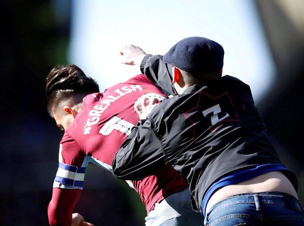 Cantona, Beckham, Hingga Neymar: 10 Pemain yang Ribut dengan Suporter