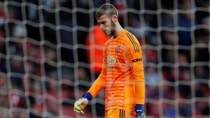 Manchester United susah payah menang atas West Ham United dam butuh dua gol penalti untuk memetik tiga poin. Dalam laga yang berakhir 2-1 untuk kemenangan MU itu, David de Gea melakukan penyelamatan gemilang terhadap peluang Michail Antonio. (Foto: Reuters/John Sibley)