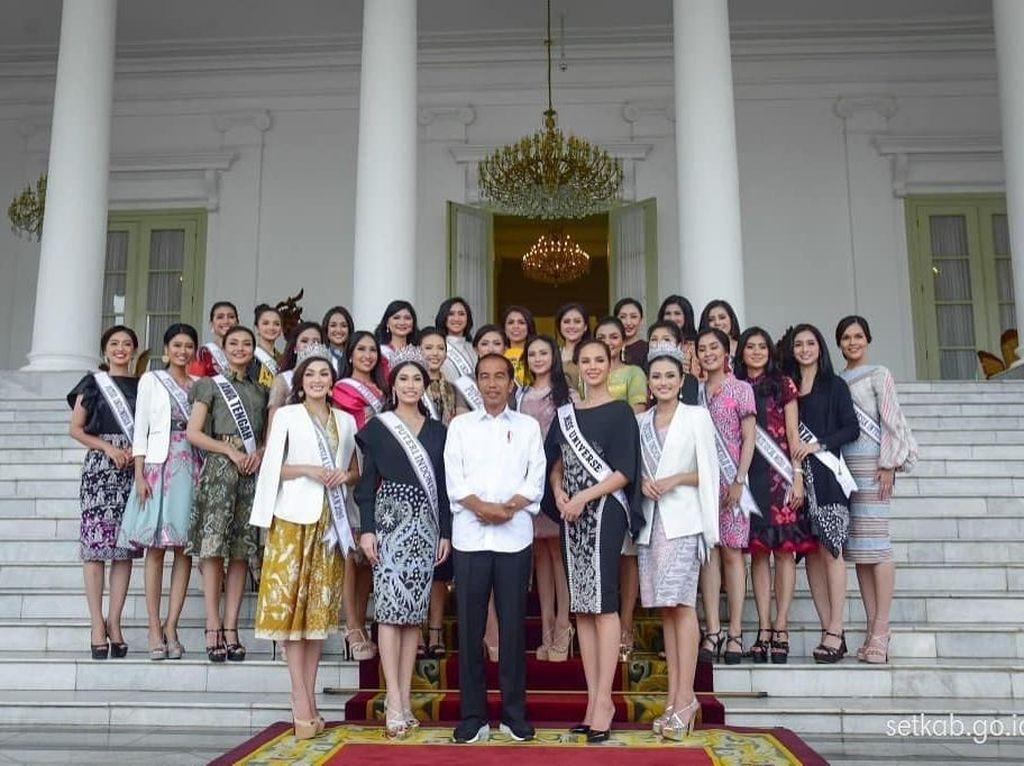 Bertemu Jokowi, Potret Semringahnya Miss Universe & Puteri Indonesia 2019