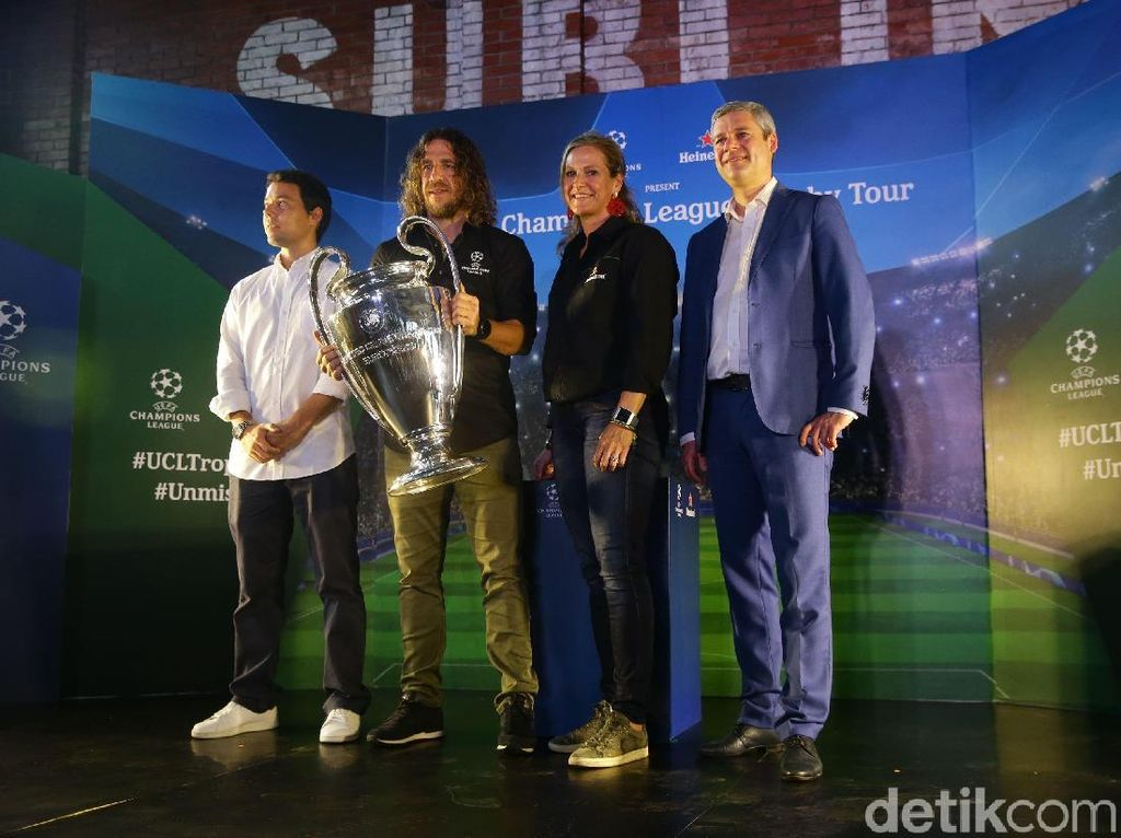 Del Piero & Puyol Bawa Trofi Liga Champions Keliling Indonesia
