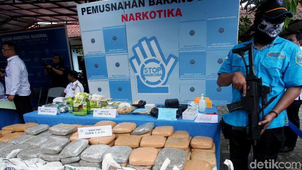 Lagi, BNN Musnahkan 1,3 Ton Ganja dan 18 Kg Sabu
