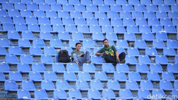 Stadion Si Jalak Harupat lengang menjelang Persib Bandung lawan Perseru Serui. (Wisma Putra/detikSport)
