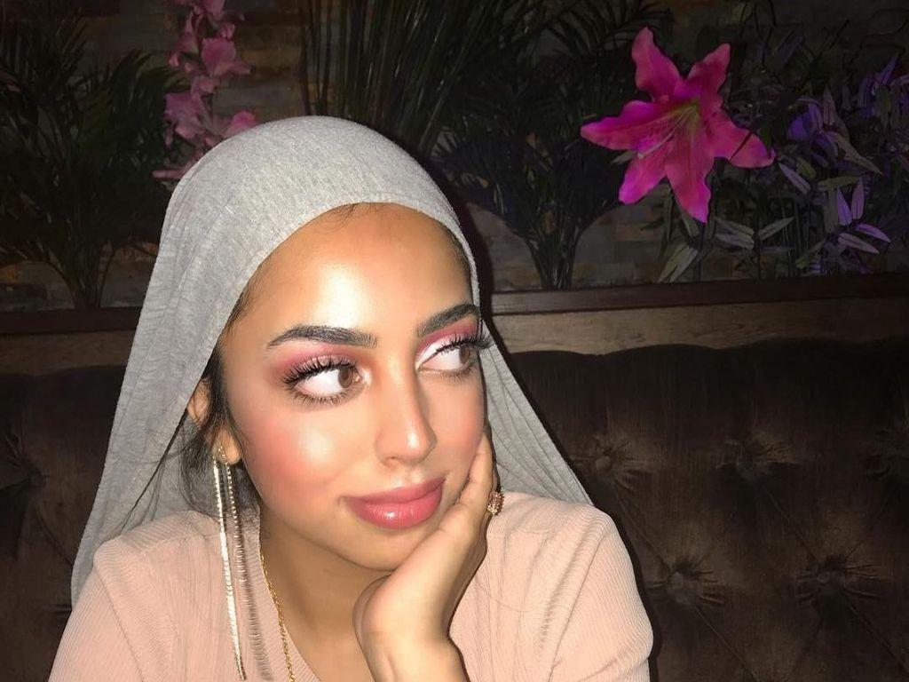 Ini Dina, Hijabers Cantik Bak Yasmin Aladdin di Dunia Nyata