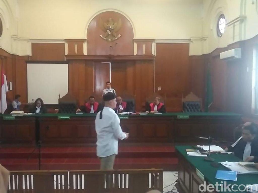 Pentolan Dewa 19 Minta Belas Kasihan Hakim Soal Sidang Berganti Siang