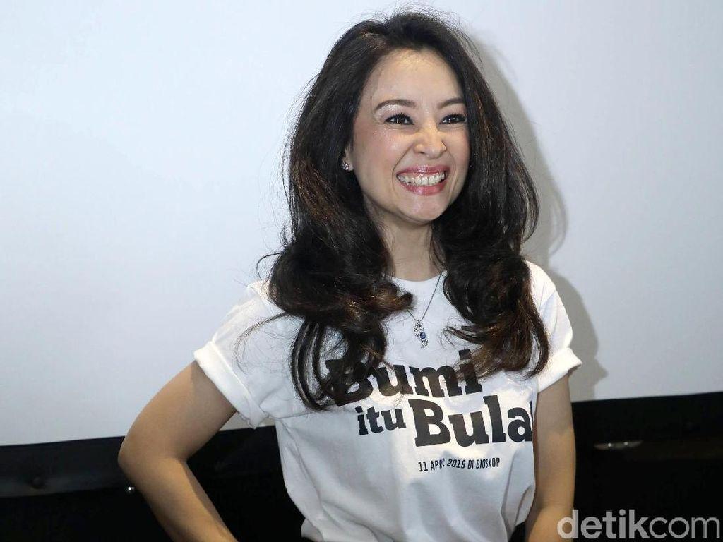Belum Mandi dan Sikat Gigi, Putri Patricia ke TPS Coblos Jokowi