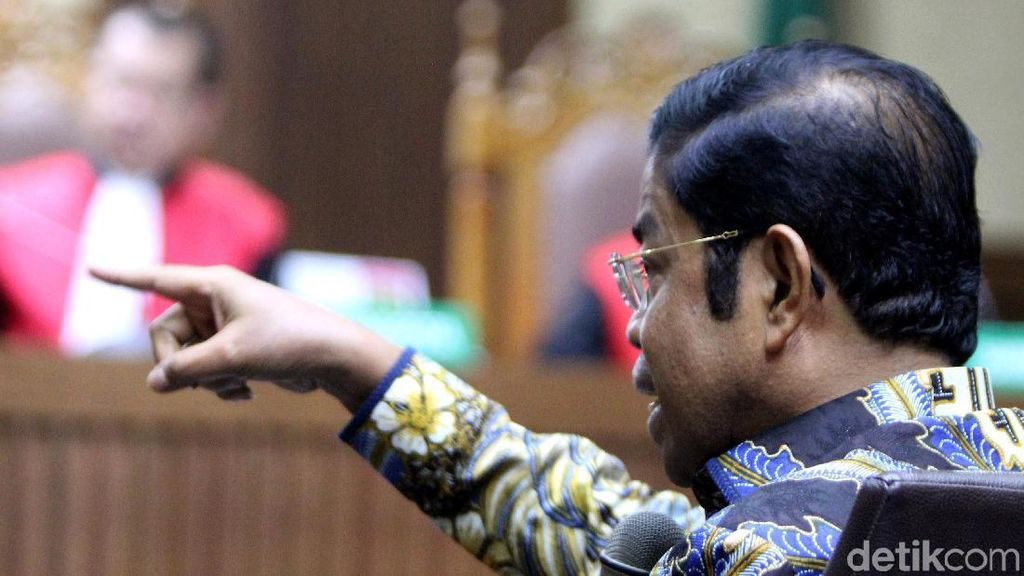 Lagi, Idrus Marham Acungkan Telunjuk di Sidang Suap PLTU Riau-1