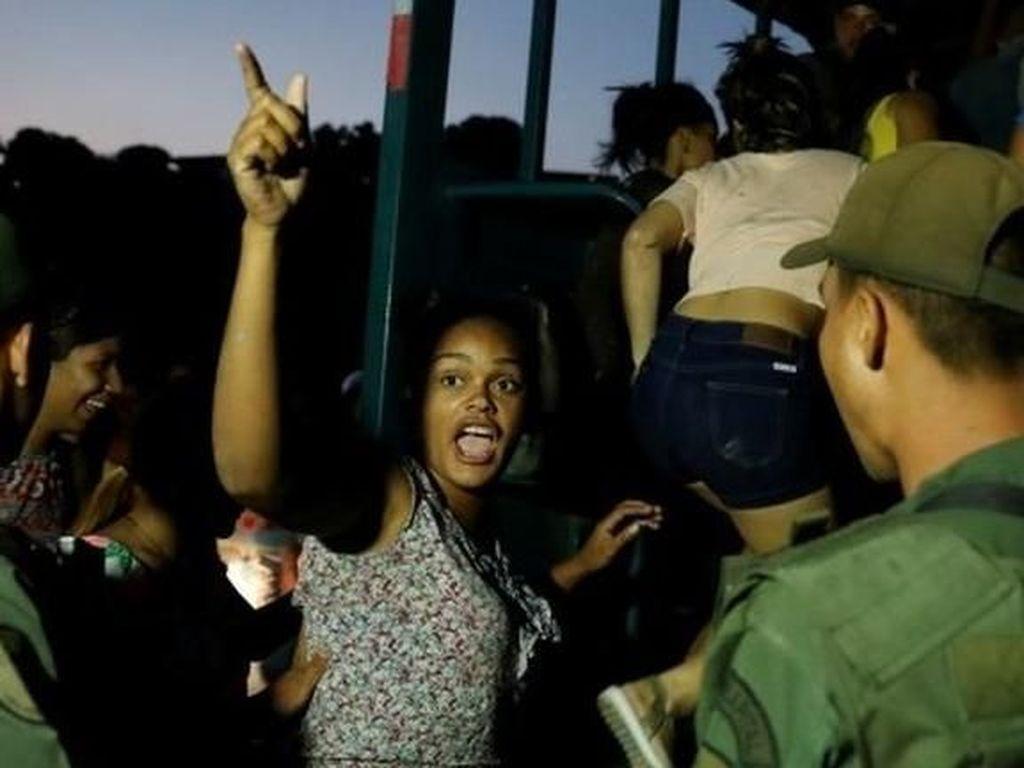 Venezuela Kacau, Toko-toko Dijarah dan Geng Motor Berkeliaran