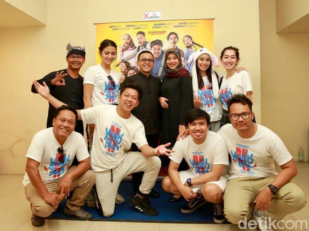 Bayu Skak dan Bupati Anas Bikin Heboh Promo Film Yo Wis Ben 2