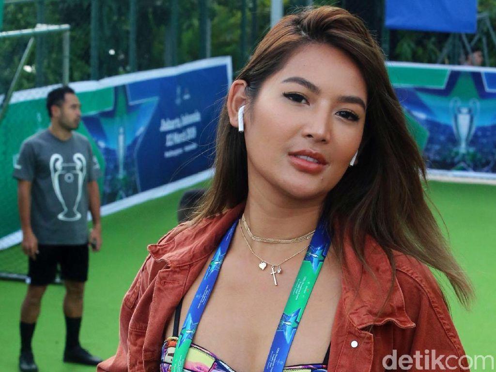 Maria Selena Akui Pacaran dengan Pilot, Minta Doa Segera Nikah