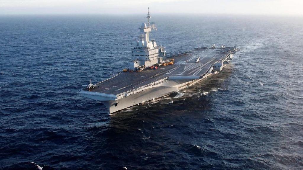 Potret Kapal Induk Nuklir Prancis Bertolak ke Asia, Mau Apa?