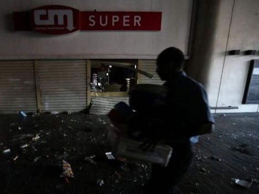 Penampakan Krisis di Venezuela, Toko-toko Dijarah