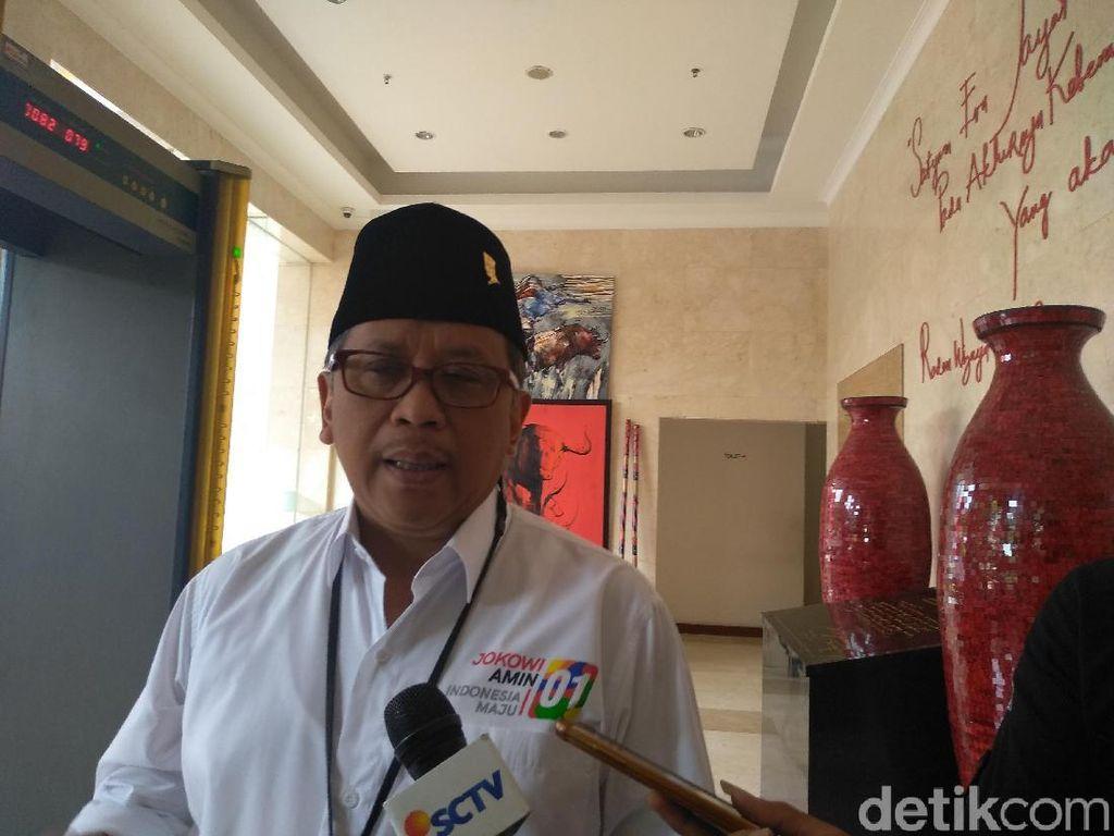 Hasto: Saya Tanya Warga 3 Keberhasilan Prabowo, Mereka Kesulitan