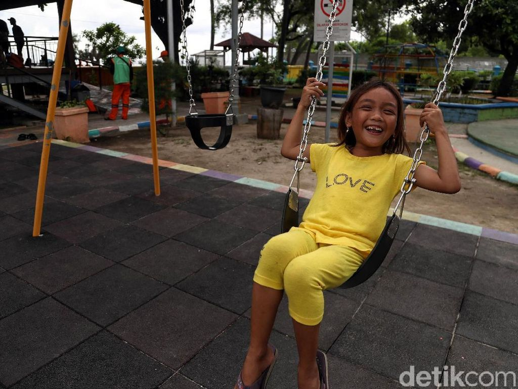Potret Riang Anak-anak Bermain di RPTRA Tidung Ceria