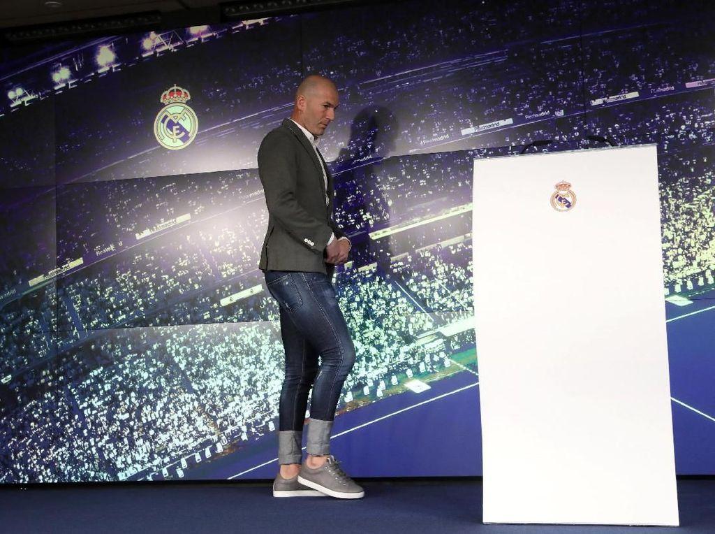 Zinedine Zidane Pakai Skinny Jeans Adalah Sebuah Kesalahan