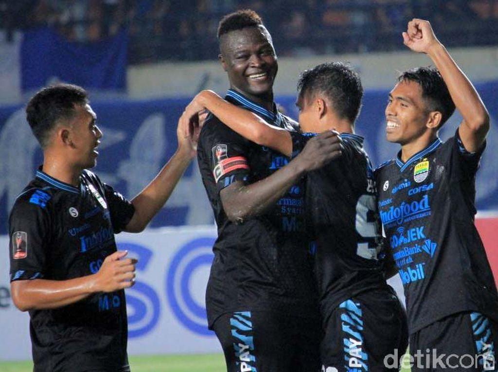 Persib Bandung Lumat Perseru 4-0