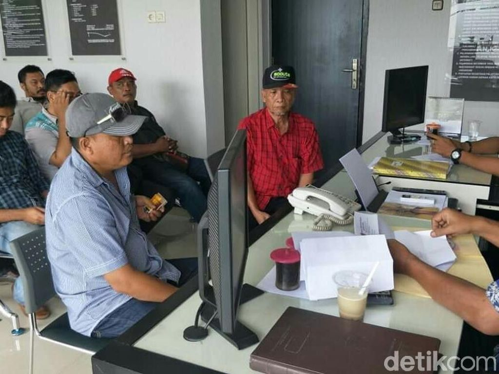 Datangi Polres Banyuwangi, Warga Dukung Polisi Usut Kasus Ustaz Supriyanto