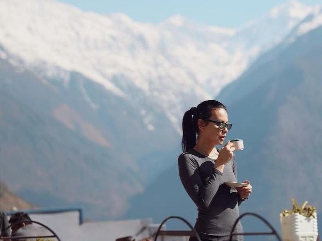 Pegunungan Himalaya, Nepal & Sophia Latjuba