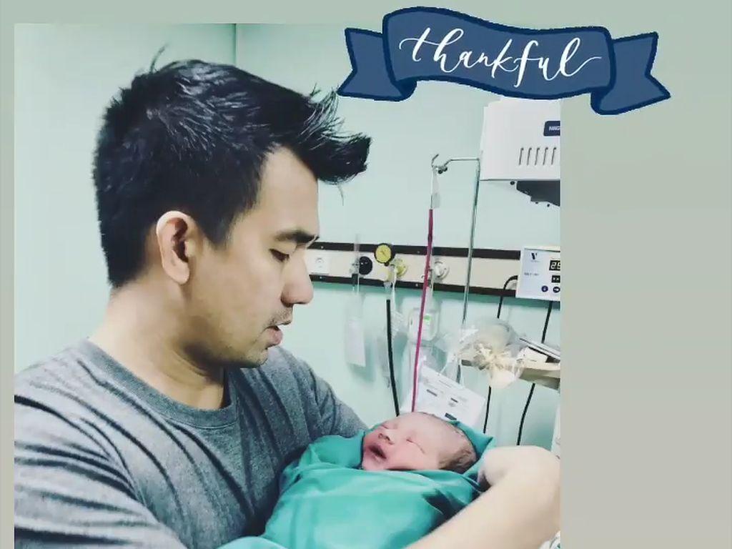 Kabar Bahagia! Alexa Key Lahirkan Anak Pertama