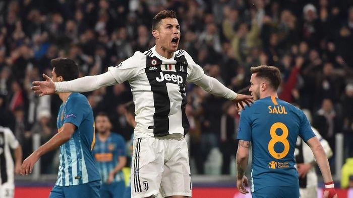 Massimiliano Allegri dibuat terheran-heran dengan hat-trick Cristiano Ronaldo saat Juventus menghajar Atletico Madrid (Tullio M. Puglia/Getty Images)