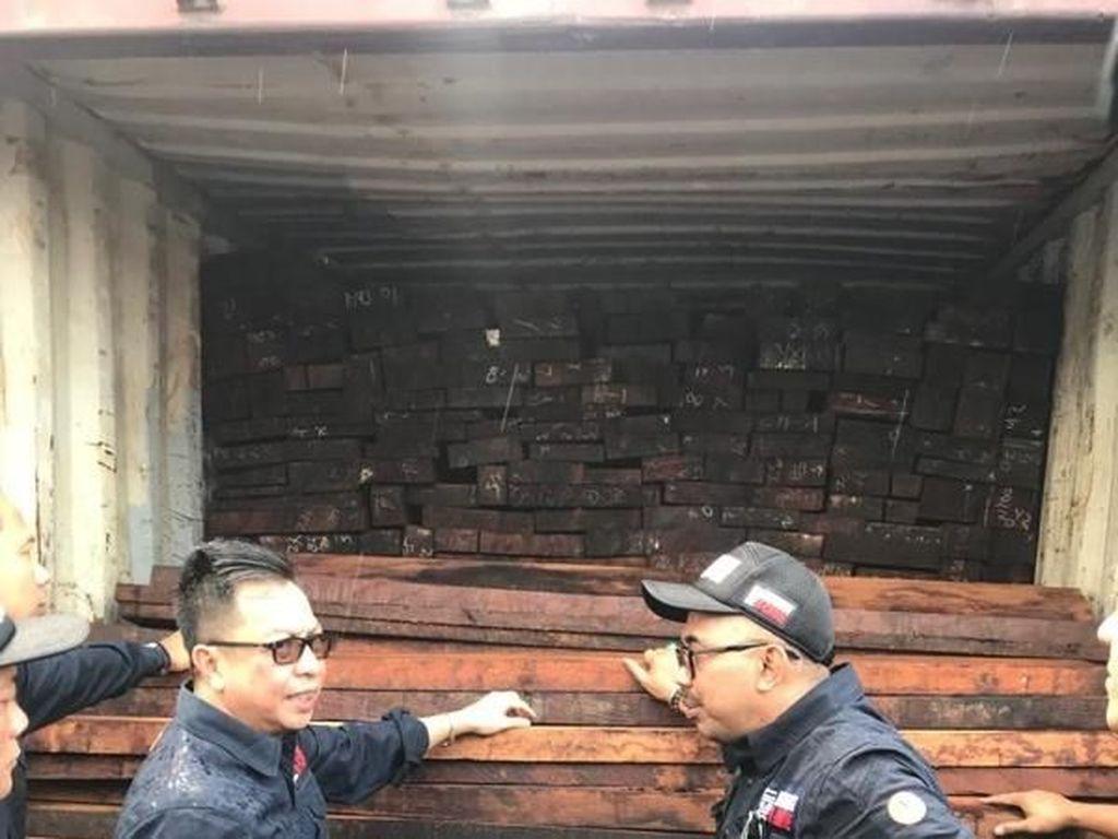PN Makassar Tolak Praperadilan 6 Perusahaan soal Muatan Kayu Ilegal