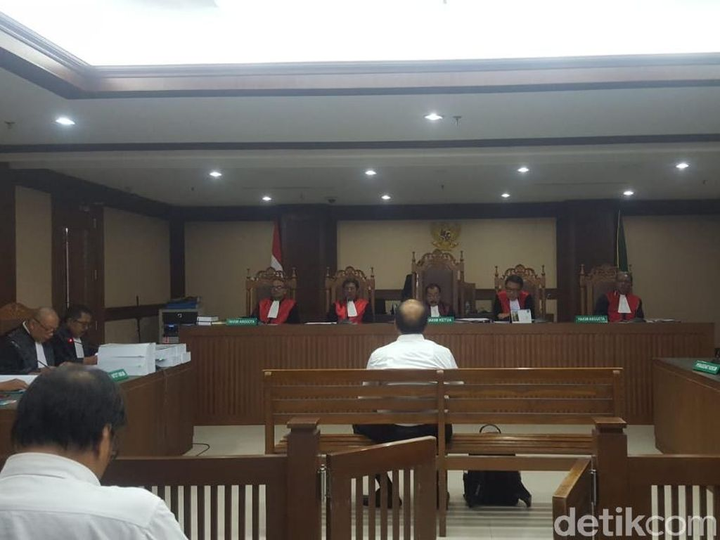 Eks Dirut Jasindo Dituntut 9 Tahun Bui Terkait Korupsi Komisi Fiktif