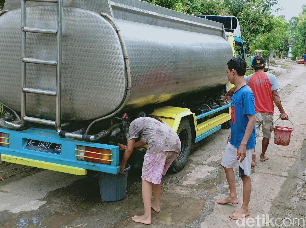 Sumur Masih Kecokelatan, Korban Banjir Ngawi Keluhkan Air Bersih