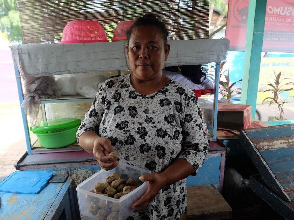 Kisah Pedagang Bakso di Kepulauan yang Siasati Daging dengan Ikan