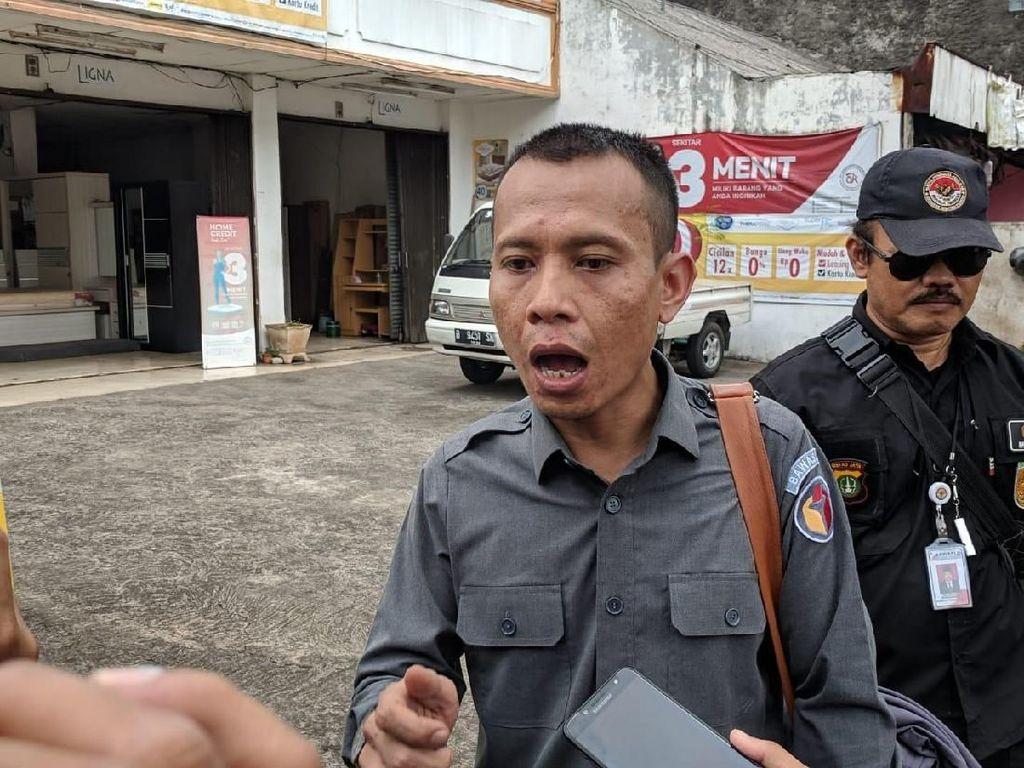 Bawaslu Jaksel Tertibkan Baliho Caleg DPR/DPRD di Mampang-Rasuna Said