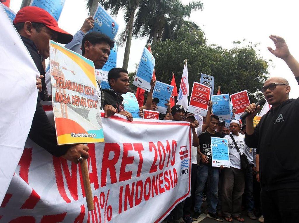 Pekerja Pelabuhan Kembali Gelar Aksi di BUMN