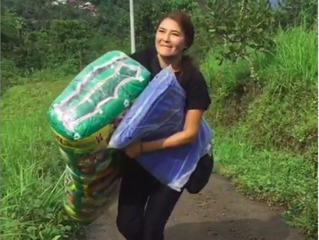Posting Aksi Sosial, Tamara Bleszynski Ogah Disebut Nyaleg dan Ikut Partai