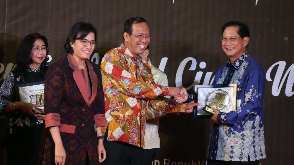 30 Wajib Pajak Besar Terima Penghargaan DJP