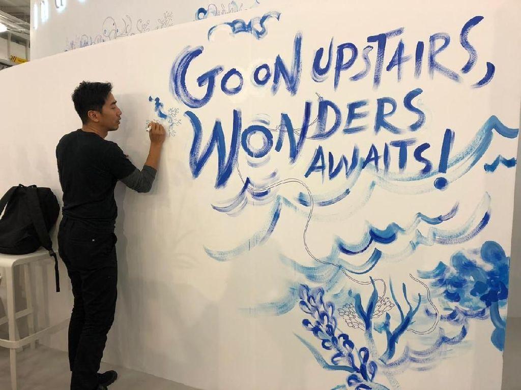 Keren! Ilustrator Emte Live Mural di London Book Fair 2019