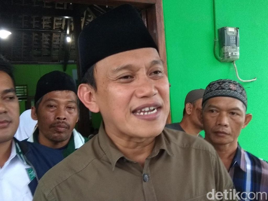 dr Ani Hasibuan Pose 2 Jari, TKN: Kasus KPPS Meninggal Digoreng Pro 02
