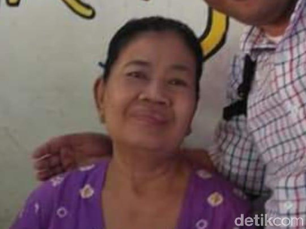 Mbok Jum, Ibu Kantin Legendaris UNS Tutup Usia