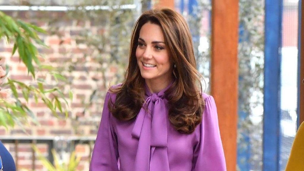 Foto: Kate Middleton dan Melania Trump Pakai Baju Mirip, Mana Favoritmu?