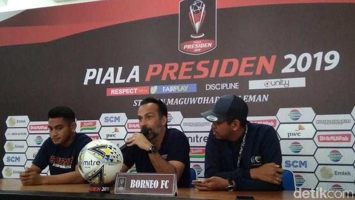 Borneo FC dalam jumpa pewarta menjelang melawan Madura United. (Foto: Ristu Hanafi/Detikcom)