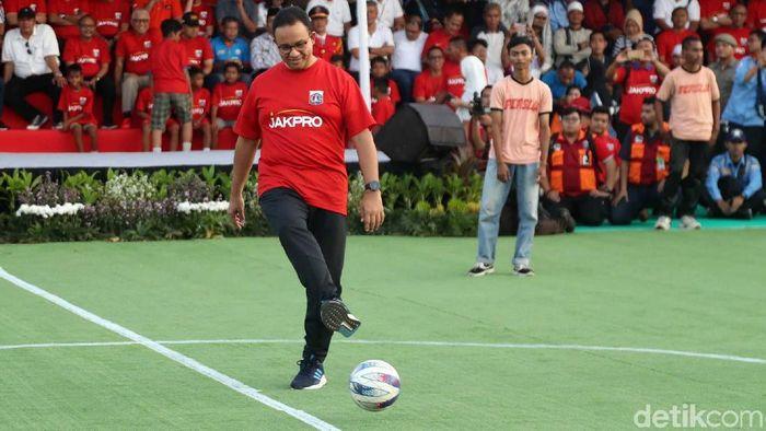 Gubernur DKI Jakarta Anies Baswedan saat meresmikan pembangunan stadion baru di atas lahan Taman BMW. (Foto: Pradita Utama/detikcom)