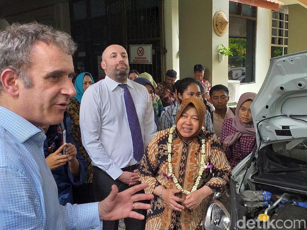 Pelajar SMP di Surabaya Dikenalkan Mobil Hidrogen