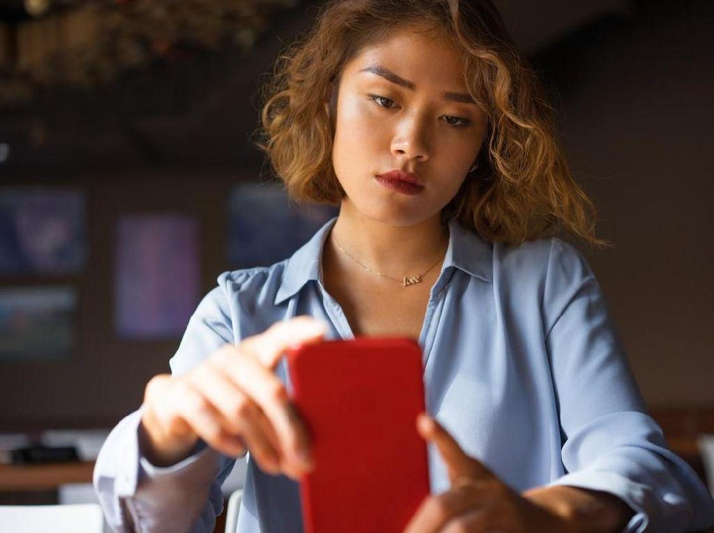 4 Tips Detoks Digital Biar Tak Gampang Galau Saat IG dan FB Tumbang
