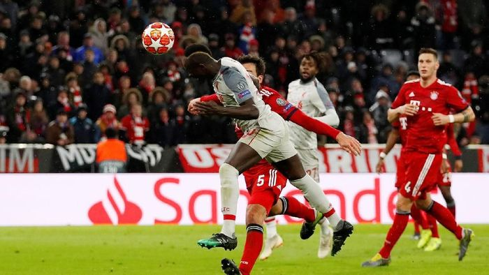 Soccer Football - Champions League - Round of 16 Second Leg - Bayern Munich v Liverpool - Allianz Arena, Munich, Germany - March 13, 2019  Liverpools Sadio Mane scores their third goal   Action Images via Reuters/Andrew Boyers