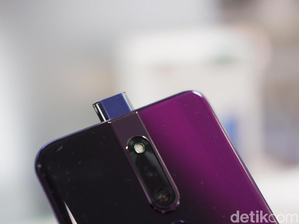 Kamera Pop-up Oppo F11 Pro Bisa Tahan Berapa Lama Sih?