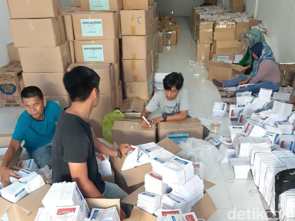 KPU Kendari Temukan 8.500 Surat Suara Tak Layak untuk DPRD