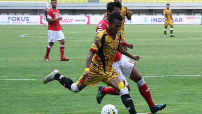 Semen Padang mengalahkan Mitra Kukar 2-0 d laga terakhir Grup B Piala Presiden 2019. (Foto: ANTARA FOTO/Risky Andrianto/ama)